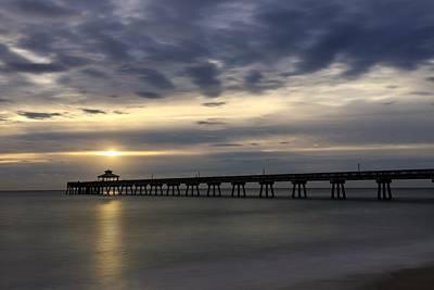 Photograph - Pier House Sunset by Juan Montalvo