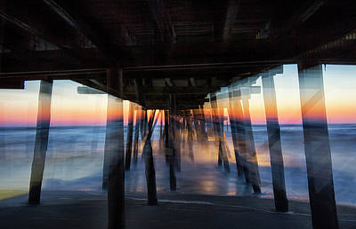 Photograph - Pier Pull by Art Cole