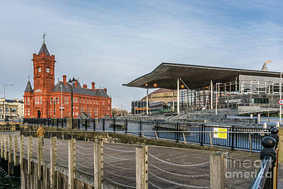 Photograph - Pierhead And Senedd by Steve Purnell