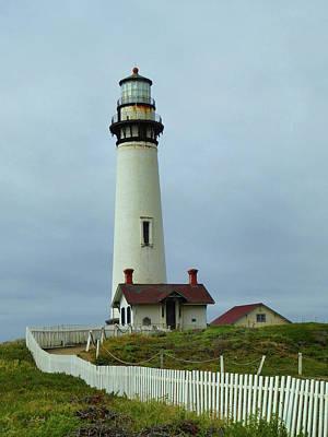 Pigeon Point Lighthouse Art Print by Gordon Beck