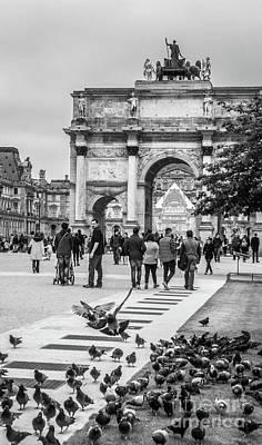 Arc De Triomphe Du Carrousel Wall Art - Photograph - Pigeons Flocking At Arc Du Carrousel, Louvre, Blk Wht by Liesl Walsh