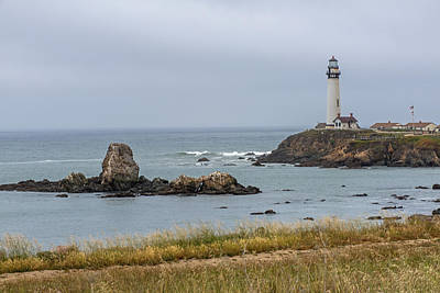 Photograph - Pigion Point Lighthouse by Willie Harper