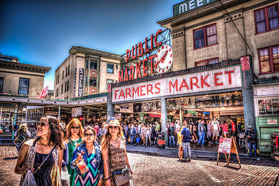 Photograph - Pike Place Tourist by Spencer McDonald