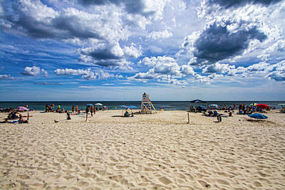 Photograph - Pike's Beach Typical Summer Day by Robert Seifert