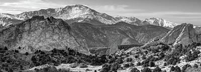 Pikes Peak Panorama - Garden Of The Gods - Colorado Springs - Black And White Art Print