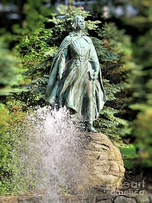 Photograph - Pilgrim Maiden Brewster Gardens  by Janice Drew