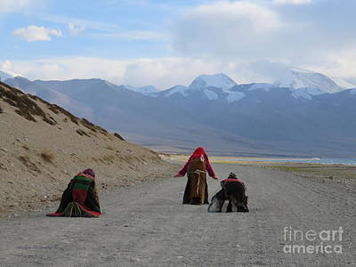 Pilgrims Prostrating Around Sacred Lake Mansarovar, Tibet Art Print