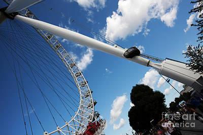 Pillar Of London S Ferris Wheel  Art Print