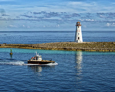 Photograph - Pilot Boat At Nassau Light by Bill Swartwout Fine Art Photography