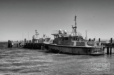 Photograph - Pilot Boat Fort Moultrie by Dale Powell