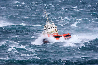 Wave Photograph - Pilot Boat by Ingi T. Bjornsson