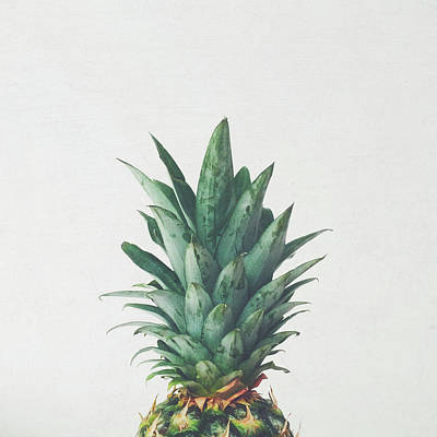 Pineapple Wall Art - Photograph - Pineapple Top by Cassia Beck