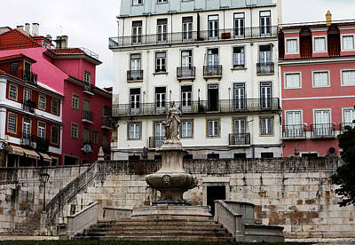 Photograph - Pink Framed Fountain, Lisbon by Lorraine Devon Wilke