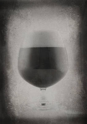Pint Glass Art Print by Matthew Graves