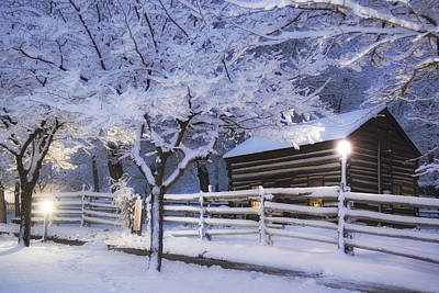 Log Cabins Photograph - Pioneer Cabin At Christmas Time by Utah Images