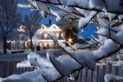 Snowy Night Photograph - Pioneer Inn At Christmas Time by Utah Images