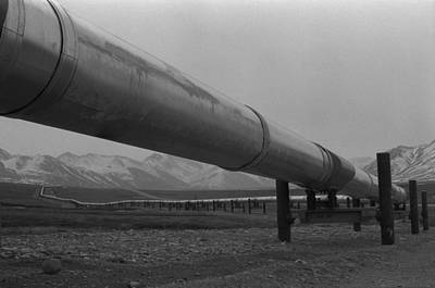Pipeline Near Atigun Pass Brooks Print by Everett