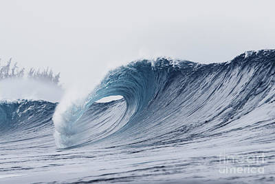 Pipeline Wave Breaking Art Print by Vince Cavataio - Printscapes