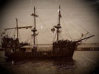 Photograph - Pirate Ship In Gdansk 04 by Dora Hathazi Mendes