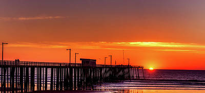Photograph - Pismo Beach Pier At Dusk by L O C