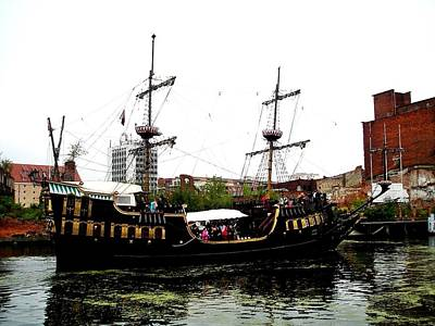 Photograph - Pirate Ship In Gdansk 01 by Dora Hathazi Mendes