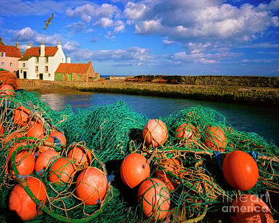 Photograph - Pittenweem by Edmund Nagele