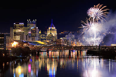 Pittsburgh Skyline Photograph - Pittsburgh 1  by Emmanuel Panagiotakis