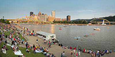 Pittsburgh 4th  Art Print by Emmanuel Panagiotakis