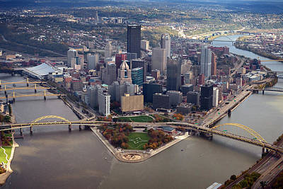 Pittsburgh Photograph - Pittsburgh 8 In Color  by Emmanuel Panagiotakis