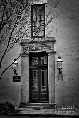 Photograph - Planters Inn by Skip Willits