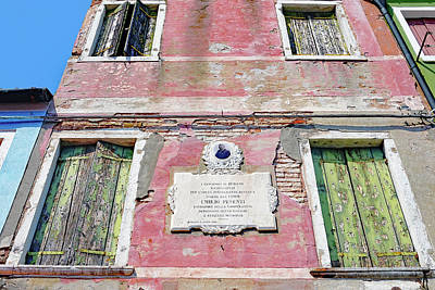 Photograph - Plaque Honoring Emilio Pesenti On The Island Of Burano, Italy by Richard Rosenshein