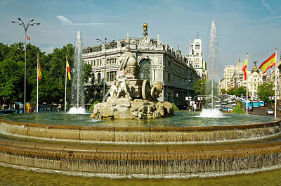 Photograph - Plaza De Cibeles Fountain by Sally Weigand