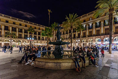 Photograph - Plaza Reial by Randy Scherkenbach