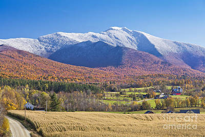 Photograph - Pleasant Valley Fall Scenic by Alan L Graham