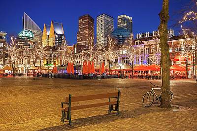 Photograph - Plein Square At Night - The Hague by Barry O Carroll