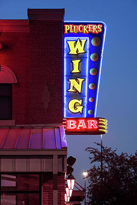 Photograph - Pluckers Wing Bar 070318 by Rospotte Photography