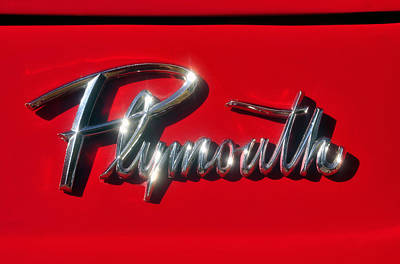 Antique Automobiles Photograph - Plymouth Nameplate by David Lee Thompson
