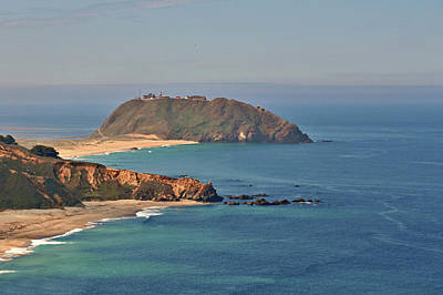 Point Sur Lighthouse On Central California's Coast - Big Sur California Art Print