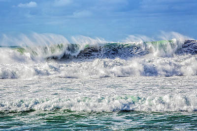 Photograph - Polihale Winter Wave by Gary Eyring