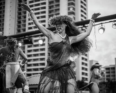 Photograph - Polynesian Luau by Ray Devlin
