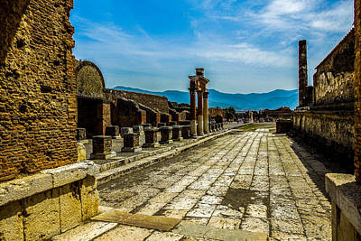 Photograph - Pompeii Arcade by Marilyn Burton