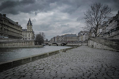 Photograph - Pont Saint-michel Paris by Henri Irizarri