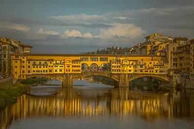 Ponte Vecchio As The Sun Sets Print by Chris Fletcher