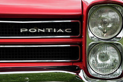 Photograph - Pontiac 2 by Wendy Wilton