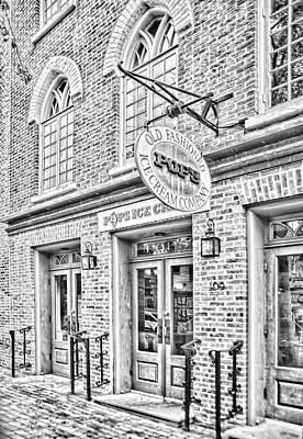 Washington D.c Digital Art - Pops Ice Cream Shoppe by Mary Timman