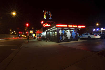 Popular Chicago Hot Dog Stand Night Art Print by Sven Brogren