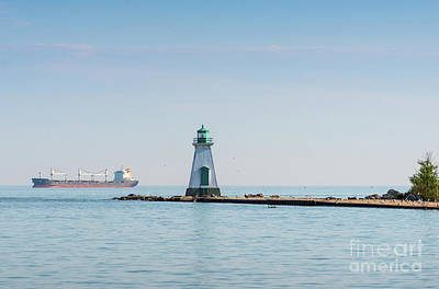 Photograph - Port Dalhousie Lighthouse by Les Palenik
