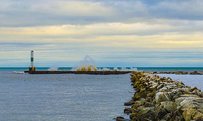 Photograph - Port Washington Light 1 by Deborah Smolinske