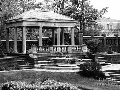 Photograph - Portico At The Rose Garden, David S Lynch Park, Beverly, Massachusetts by Lita Kelley