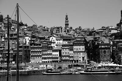 Photograph - Porto 9b by Andrew Fare
